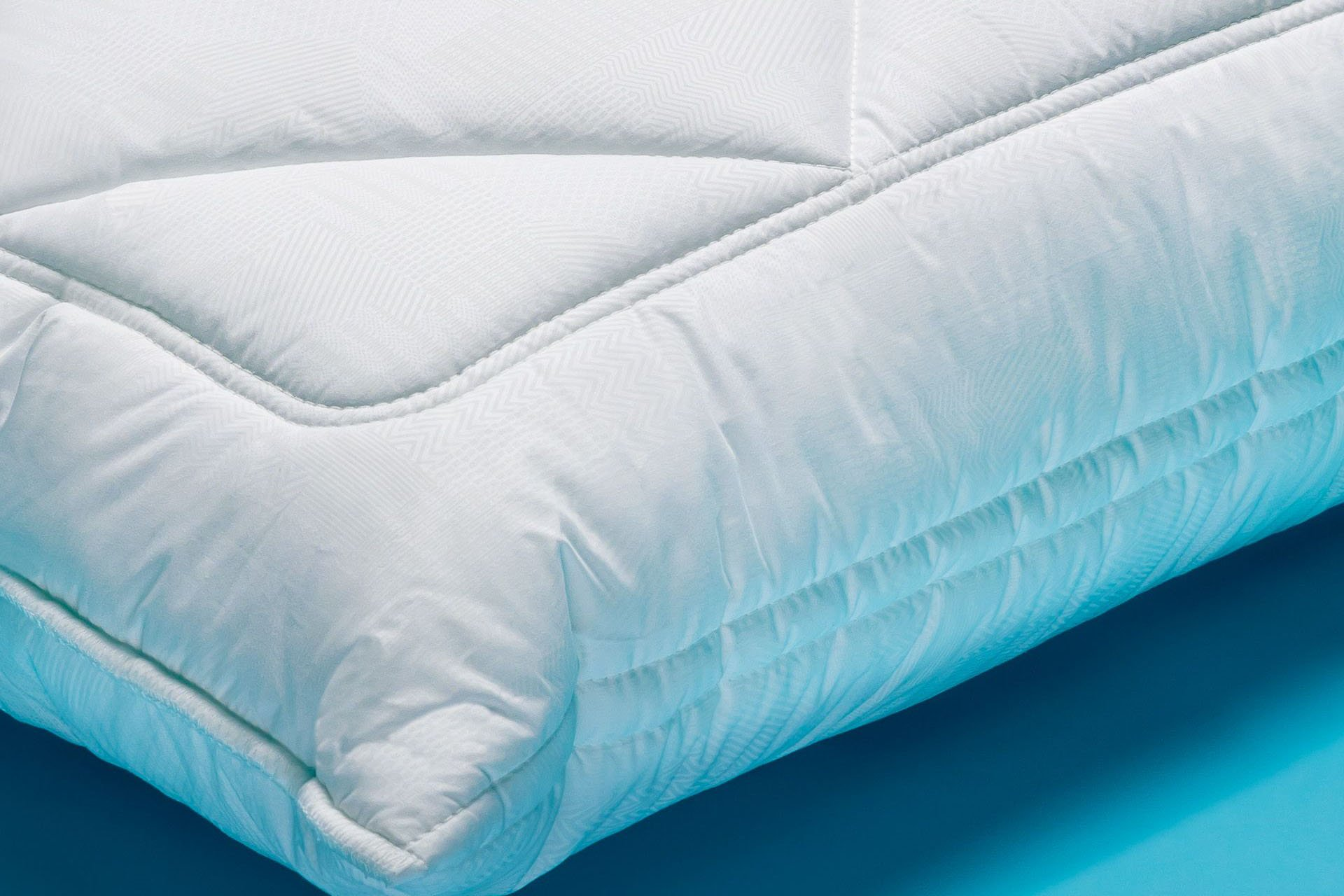 Dettaglio Cuscino classico alto e morbido comfort