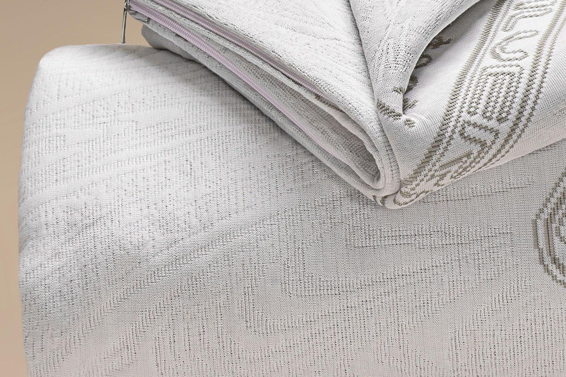 copricuscino a maglia semi imbottito igienico silverplus a cappuccio dettaglio